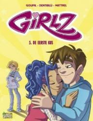 Girlz # SC05 De eerste kus